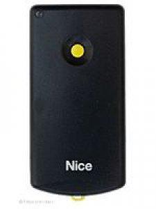 Handsender Bernal K1M/D, 1 Taste, 27,120 MHz, wird ersetzt durch Handsender HR RQ2640F, lernfähig, 4 Tasten, 27,120 MHz AM